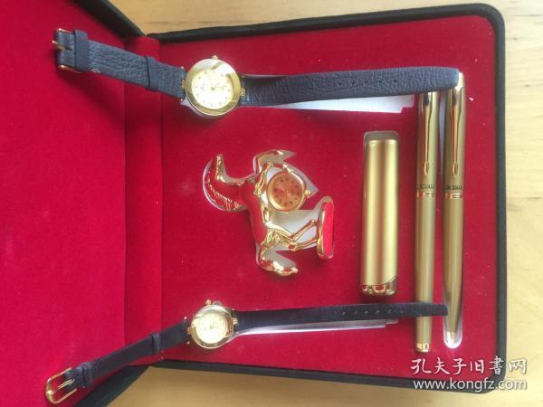 广州宝石厂 百爵仕 人造革表带 石英男女对表 钢笔 宝珠笔 带钟奔马摆件 打火机礼盒  (企业定制)