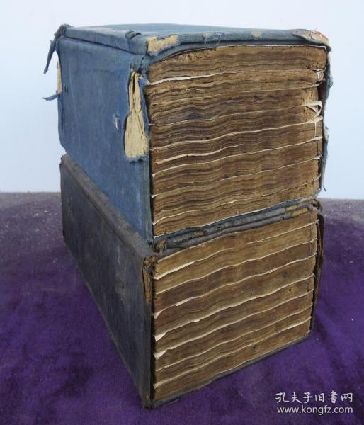 清精刻本第一才子書【三國演義】原裝兩函一百二十回20冊全,人物版畫40幅全,刻畫細膩,人物形象生動,毛發衣飾清晰可辨。雕鏨精整,歷史演義經典之作。大開本25X16厘米。小說類收藏的必備首選之書。