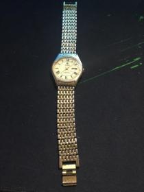 YALIK18k金腕表 表蒙子没有了 不能使用