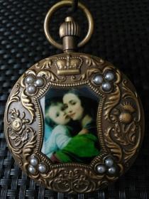 海外回流铜镶嵌珍珠西洋画【欧米茄】双开老怀表