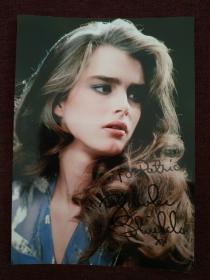 【著名美国女演员、被誉为世界第八大奇迹 波姬•小丝(Brooke Shields)签名照片】