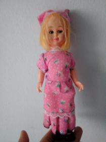 可爱金色短发粉色装娃娃玩具
