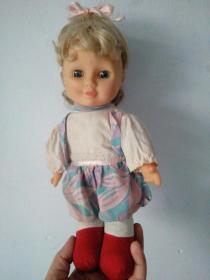 可爱金色长发娃娃玩具