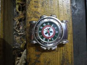 运动手表:带指南针手表