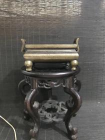 民国玉堂清玩款冠耳宣德炉,包浆熟美,内膛干净,底款犀利,尺寸见图,重1008克,文房重器。