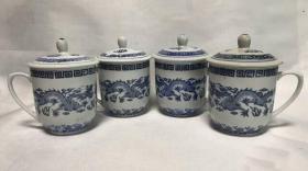 老瓷茶杯七八十年代景德镇厂货手绘青花二龙戏珠茶杯盖杯一套3