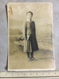民国抗战时期原版老照片:文明馆美少女