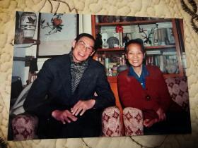著名中国电影研究专家、森川和代与著名老影星;刘琼合影照片一张(10cm×12cm)