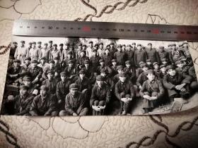 中国人民解放军军事学院院领导与学员合影(七十年代原版)24cm×12cm