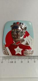 毛主席像章 中国工农红军,方形,毛主席万岁 ,彩版像章,天蓝色,红色,白色。背面:毛主席万岁!很稀少的精品章