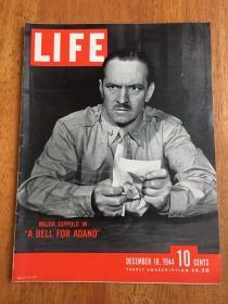 """【现货在国内、全国包顺丰】Life, 1944年12月18日《生活》杂志,封面 """"A Bell for Adano / 1945年普利策获奖小说 《阿达诺的钟声》主人公意大利裔美国军官 Major Joppolo"""",内收一篇由Teddy White (中文名:白修德)撰写的 """" Inside Red China / 深入红色中国 """" 长篇文章,含毛泽东、朱德及其夫人等早期照片,珍贵历史参考资料 !"""