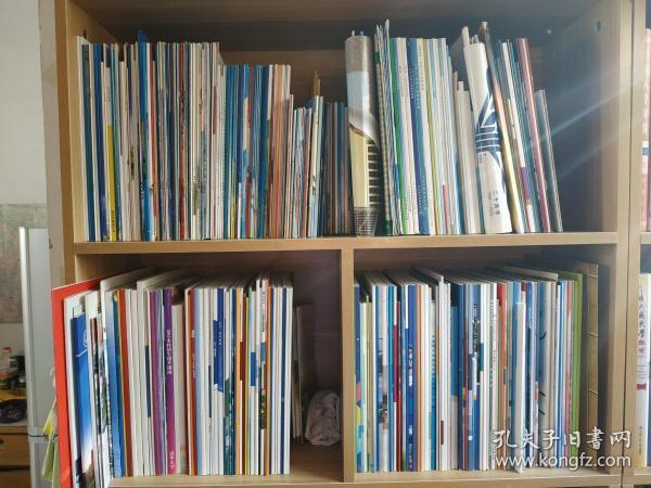 《大学招生简章》、《高校招生资料》,高校基本介绍、招生信息、招生计划、招生分数等数据,从2002年收集到2019年(18年),大约1000册,包括各大211、985、双一流高校等,共计500多所高校,纯属于个人喜好收藏