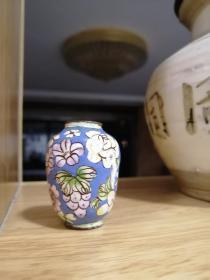 民国小药瓶----做工精致----《景泰蓝葡萄花卉药瓶》----铜胎珐琅---虒人荣誉珍藏