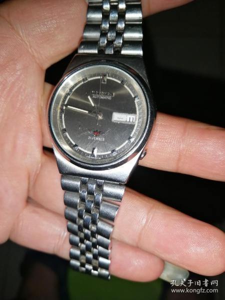 西铁城双日历全自动手表
