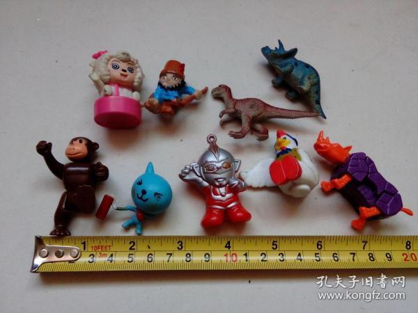 小玩具一堆