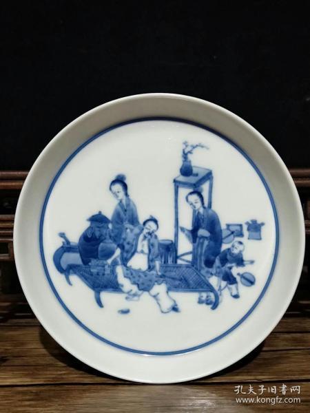 清雍正手绘青花人物故事精品盘,包浆厚重,瓷质细腻,完整全品,成色如图.