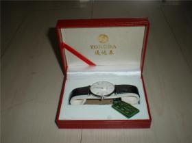 钟表类:收藏适用佩戴皮带男款精致走时准确通达手表一块(二)