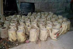 库存老茶壶   酒楼  会所  饭店 六七十年代库存老茶壶,有量批发,梅花♧,双喜临门,喜鹊登门,包老。39一个不包邮,一对88包邮