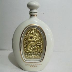 翼龙戏珠酒瓶