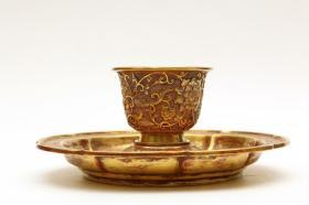 清代 铜鎏金花卉纹托脚杯