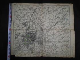 建国后第一版长春市地图(1955年第一版)当时的长春市还是和民国时期的基本一样,对研究长春市城市发展很有资料价值。有裂口,但是不缺肉。