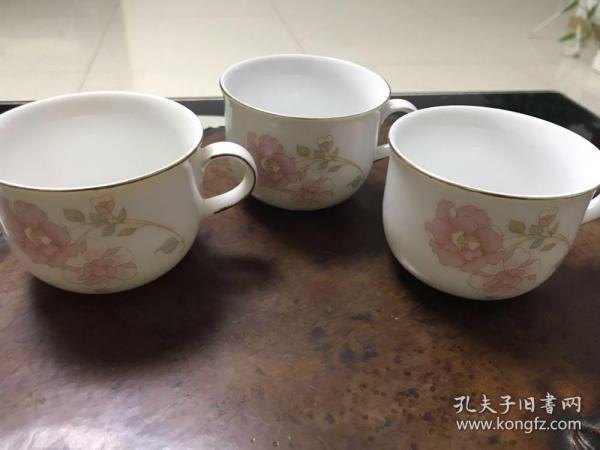 H-0360文革时期 怀旧岁月 花卉纹老茶杯3个 中国景德镇瓷厂老厂货茶杯 持柄杯 美品无伤