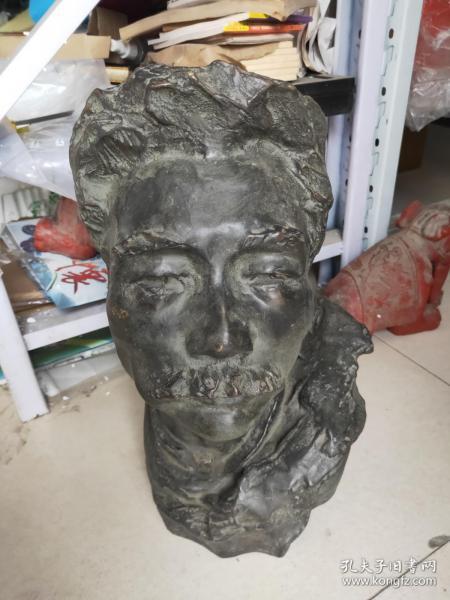 大型 90年代 新中国第一代女雕塑家;著名雕塑家 张 德 华 雕塑作品【肖像】一尊【铜质】高44公分 重20斤