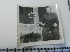 黑白老照片  老爷子