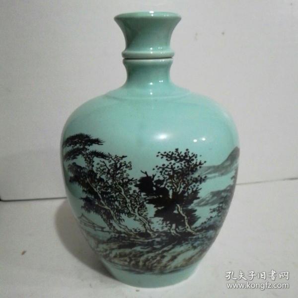龙尊山水酒瓶