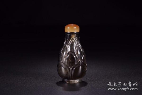 清代:茶晶莲瓣纹鼻烟壶