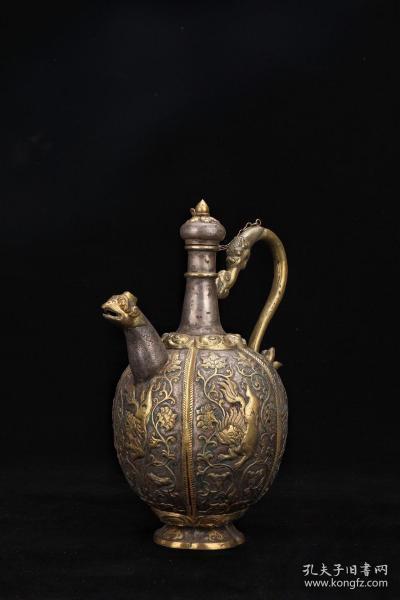 唐代,银鎏金兽面纹酒壶