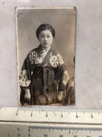 民国抗战时期原版老照片:和服美女照片