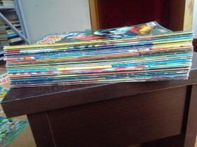 米老鼠2008第(1-22、24)期+外星人特刊、六一特刊、淘气包特刊、探险特刊、南瓜灯特刊、超人特刊、圣诞特刊、侦探特刊,30本合售。(14、15合刊)