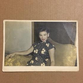 民国上色旗袍美女照片