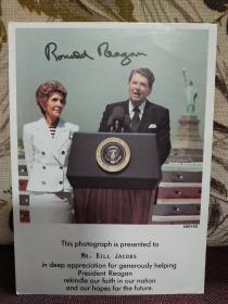 【第40任美国总统罗纳德·威尔逊·里根(Ronald Wilson Reagan)  致比尔•雅各布斯 签名照片】官方签名照,珍贵!