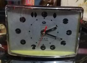 闹钟:骏马牌4钻晶体管(西安东方机械厂出品)