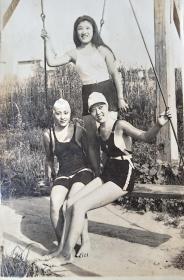民国美女泳装
