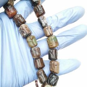 汉老玉珠手串,可议价!           人脸雕刻,玉质圆润,包浆厚重,做工精美,品自鉴