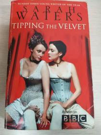 Tipping the Velvet  【英文原版,品相佳】