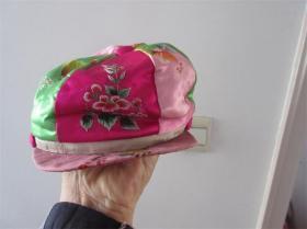 精品老刺绣儿童帽子纯手工缝制彩绣品包老收藏品影视道具民风民俗