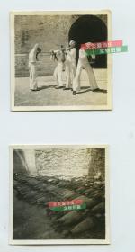 民国时期1923年左右美国海军水兵游古城,在炮弹弹药库一带调皮拍照老照片,有几分趣味,共计两张