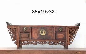 清代,翘头桌几   品相一流  雕刻凤尾牙板,美观雅致  长88宽19高32