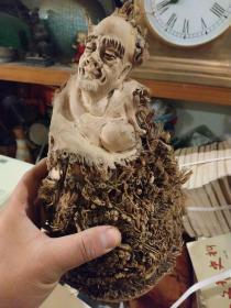 老竹雕人物,26厘米,桀骜不驯,朴茂生猛。
