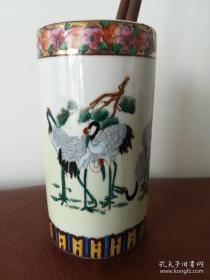 六十~~七十年代广彩松鹤笔筒(瓷质细腻,色彩典雅,满工手绘,画工精美),出口瓷,底款南国陶瓷厂。