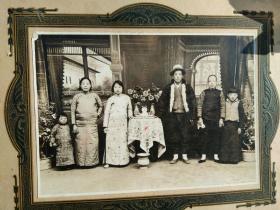 一家人民国时期老照片