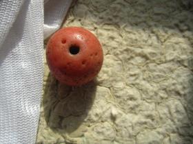 老琉璃红珠子