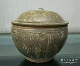 元代龙泉窑盖罐