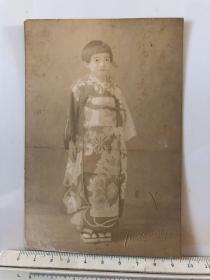 民国时期穿和服的日本小女孩照片