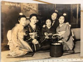 民国时期原版老照片:1943年元旦五个和服女子合影老照片