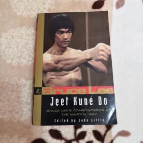 李小龙截拳道 Bruce Lee: Jeet Kune Do Bruce Lees Commentaries on the Martial Way